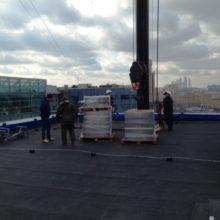 монтаж и установка рекламы на крыше